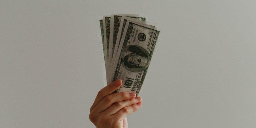 Megéri befektetni a készpénzt?