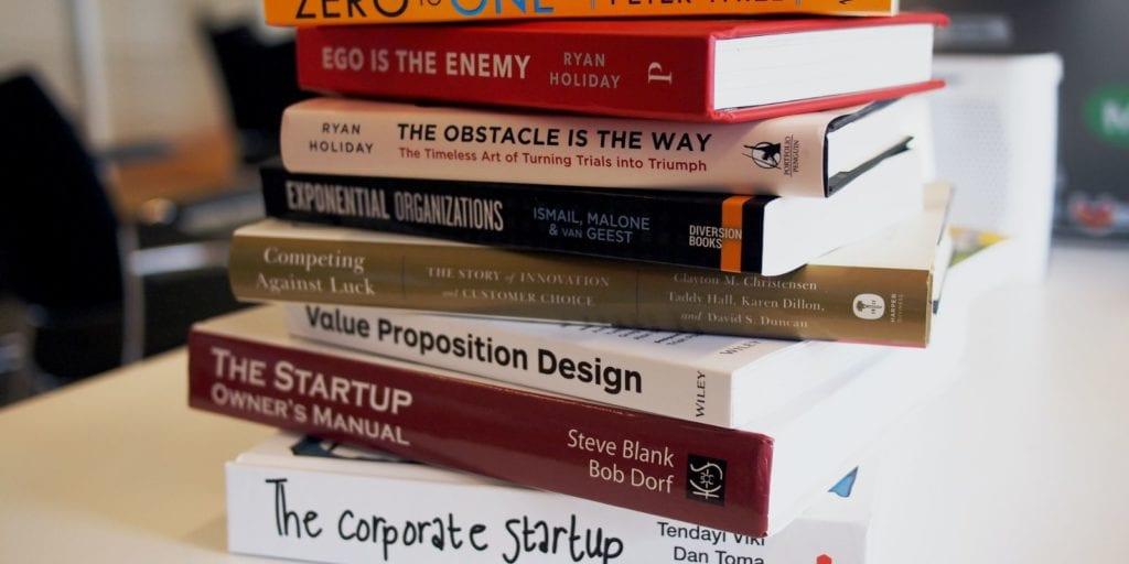 Könyvek a pénzügyi függetlenség felé.